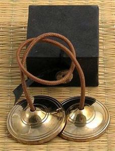 Regnbågsvävar Meditationsklockor i ask